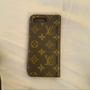 Louis Vuitton cell phones holder